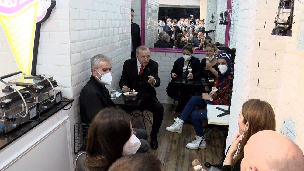 Cumhurbaşkanı Erdoğan, vatandaşlarla dondurma yedi - Sayfa 2