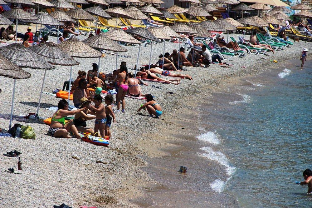 Hava sıcaklığının 32 dereceyi bulduğu Bodrum'da sahiller doldu taştı - Sayfa 1