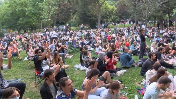 Maçka Parkı'nda sosyal mesafesiz konser - Sayfa 3