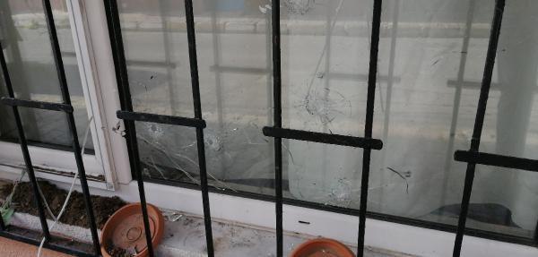 Bağcılar'da mahalleliyi sokağa döken taciz iddiası; şüphelinin evi kurşunlandı - Sayfa 1