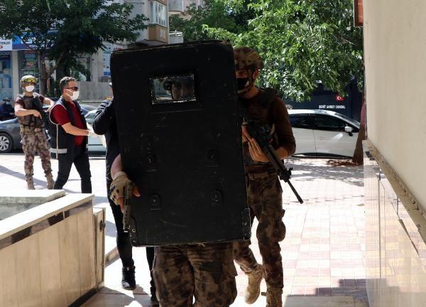 Gaziantep'te, 600 polisle 9 saatlik uyuşturucu operasyonu - Sayfa 1