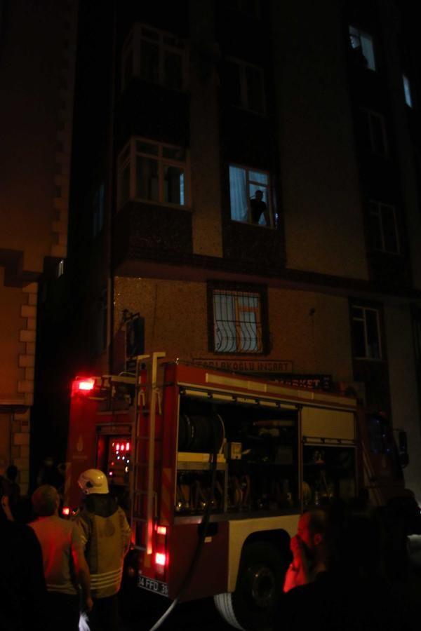 Şişli'de 8 katlı apartmanda yangın paniği - Sayfa 1