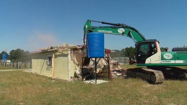 Çatalca'da hazine arazilerine yapılan kaçak evler yıkıldı - Sayfa 1