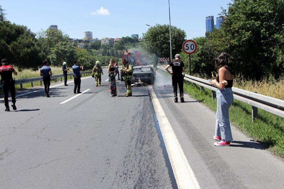 Beşiktaş'ta araç yangını - Sayfa 3