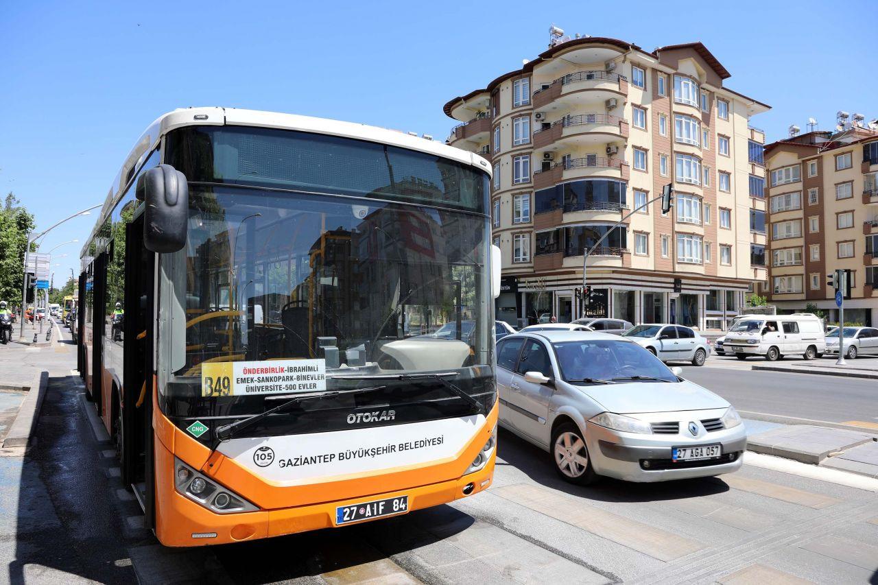 Belediye otobüsü, hareket halindeyken alev aldı - Sayfa 4