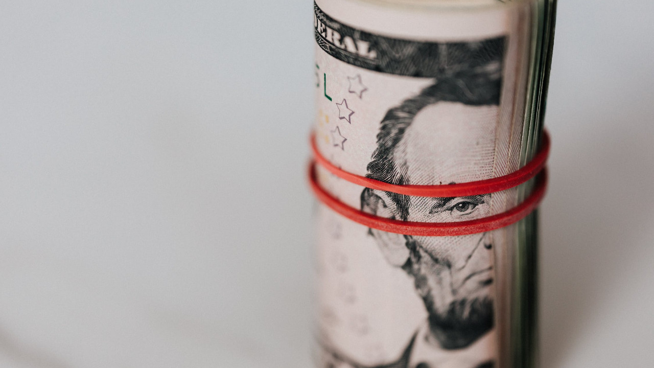 Döviz kurlarında son durum: Dolar 8.60 TL, euro 10.49 TL seviyesinden başladı