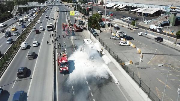 Bayrampaşa'da İETT otobüsü alev alev yandı - Sayfa 1