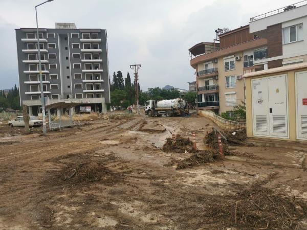 Aydın'da birçok evde su baskınları yaşandı - Sayfa 1