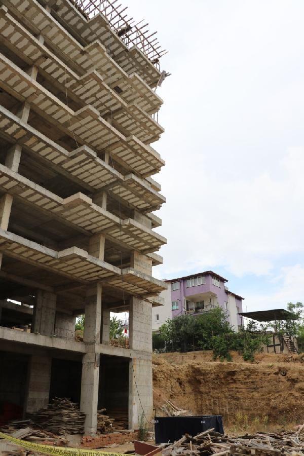 8'inci kattan düşen inşaat işçisi yaşamını yitirdi - Sayfa 1