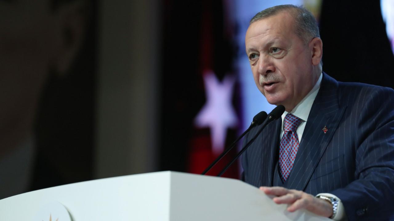 Hürriyet yazarı Selvi: Bu sisli ortamda Erdoğan'ı dikkatle izlemekte yarar var