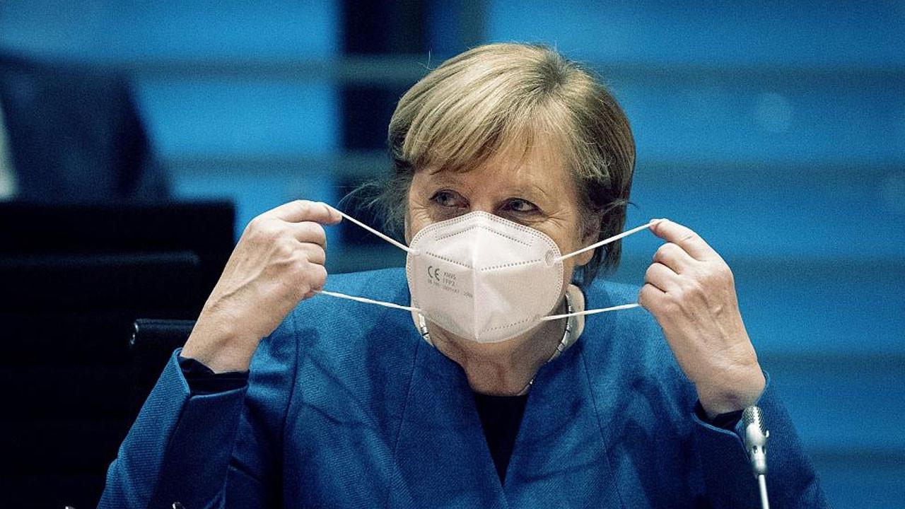 Merkel: Covid-19 vaka sayısı açısından gelişmeler son derece sevindirici