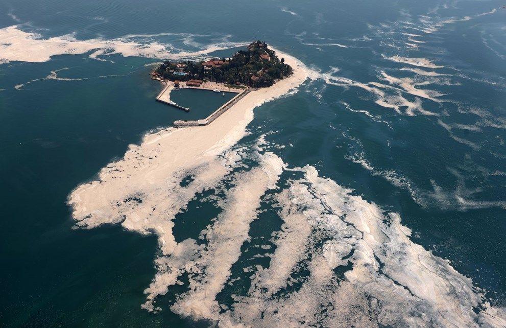 Müsilaj havadan görüntülendi: Deniz salyası her yerde - Sayfa 1