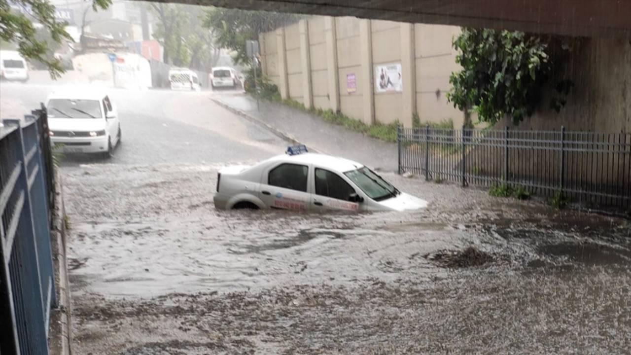 Meteoroloji'den 5 bölge için sağanak yağmur uyarısı