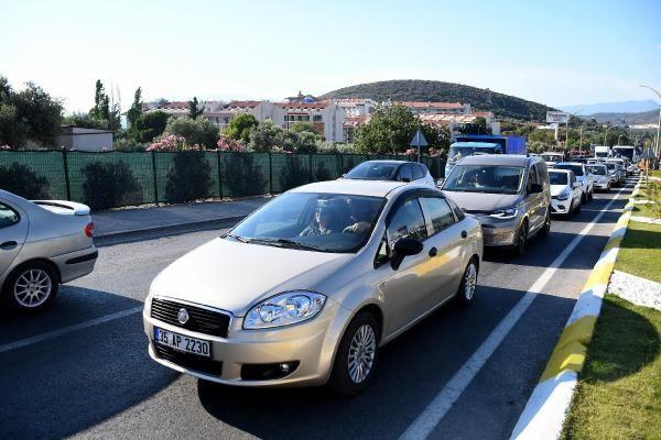 Kuşadası'na tatilci akını: Bir günde 10 binden fazla araç ilçeye giriş yaptı - Sayfa 4