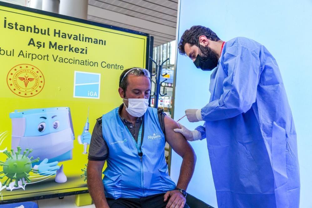 Vali Yerlikaya, İstanbul'da yapılan aşı sayısını açıkladı - Sayfa 1