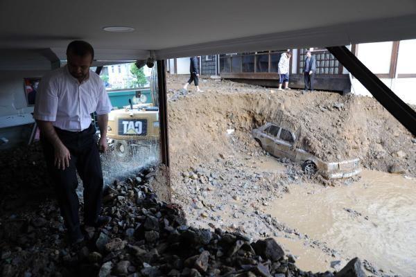 Rize'de sel ve heyelan afetinin hasarı gün ağarınca ortaya çıktı - Sayfa 3