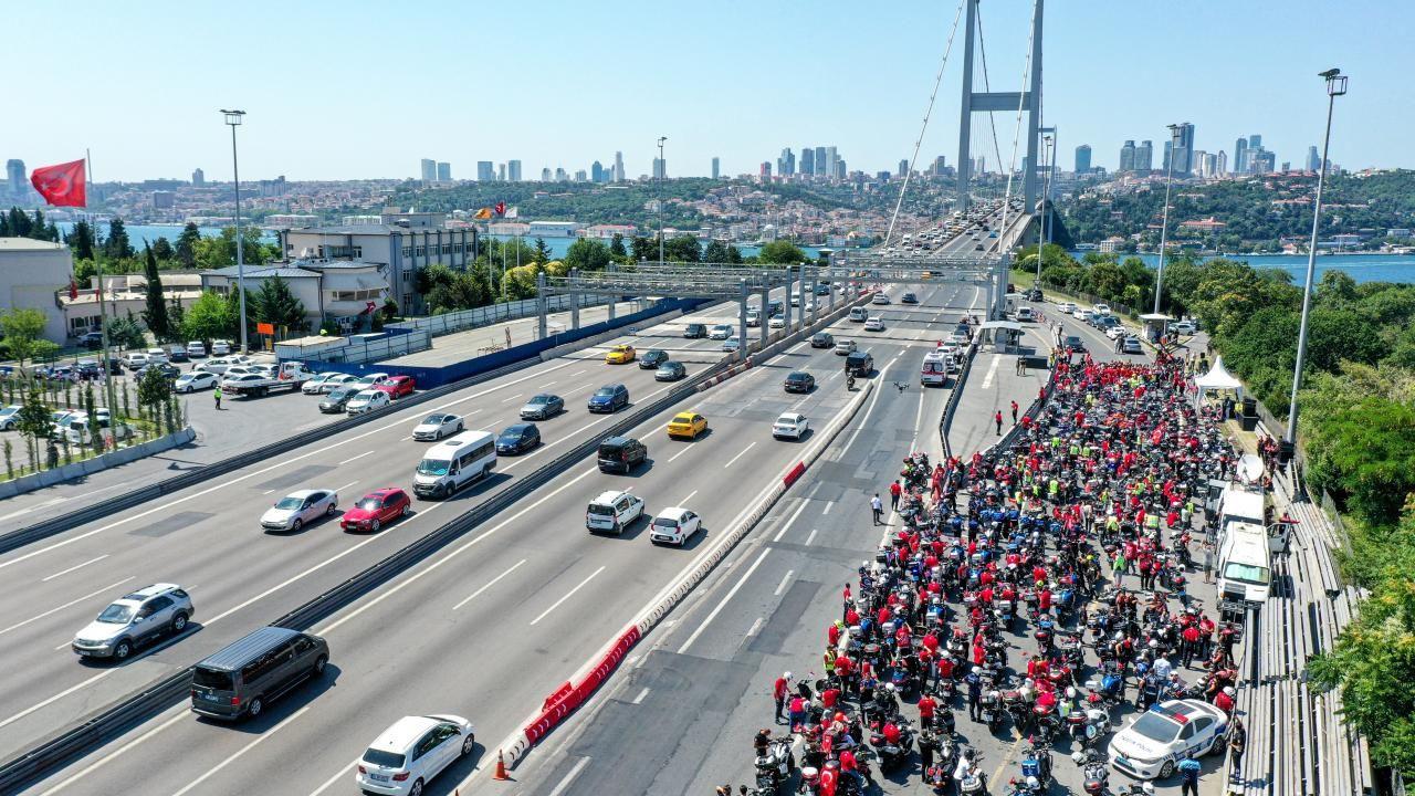İstanbul'da motosikletçiler 15 Temmuz şehitleri için konvoy oluşturdu - Sayfa 1