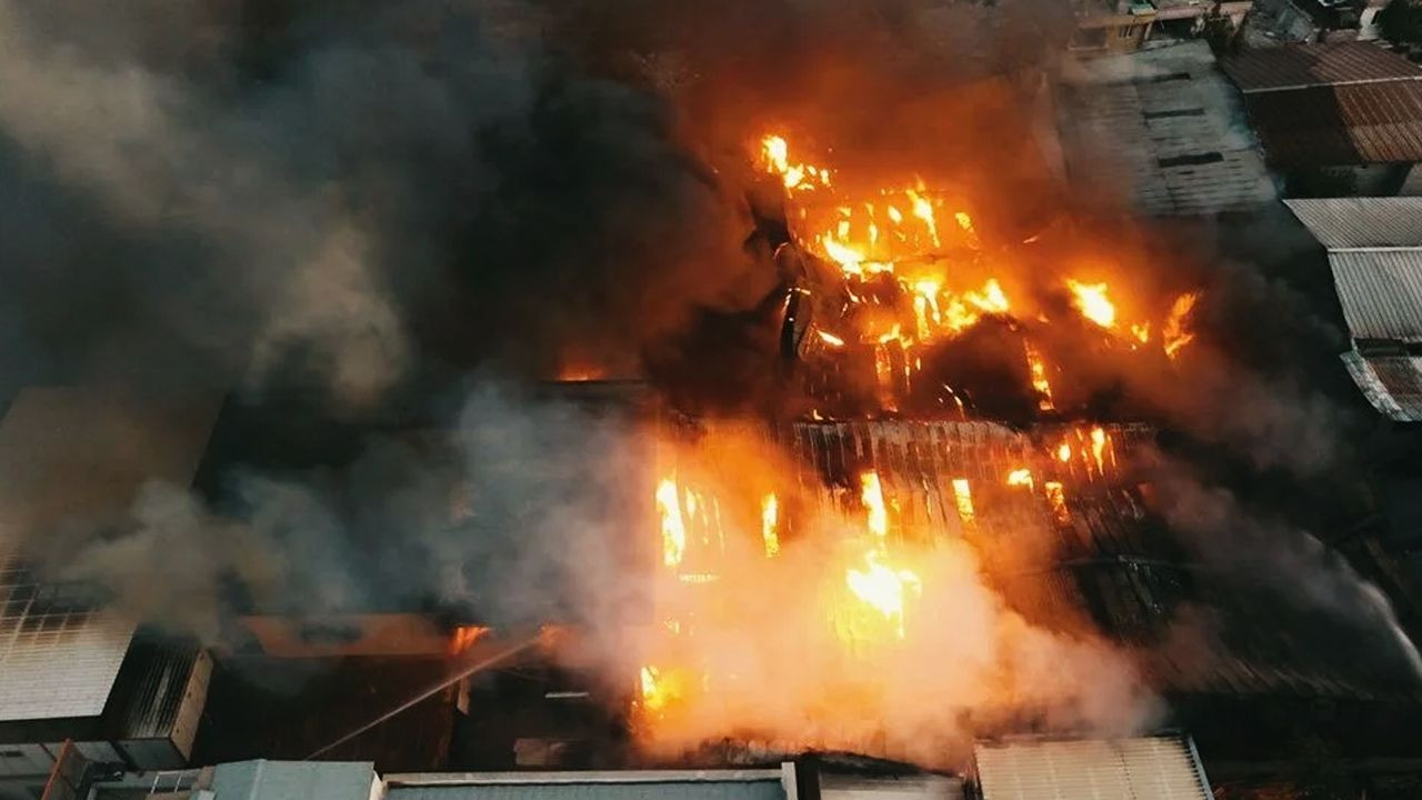 Kahramanmaraş'taki fabrika yangını 5 tesise sıçradı - Sayfa 1