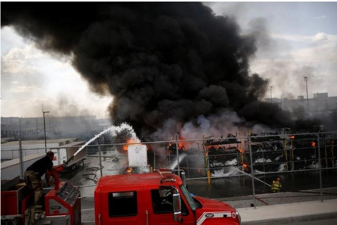 Meksika'da otomobil fabrikasında patlama: Yangın çıktı - Sayfa 1