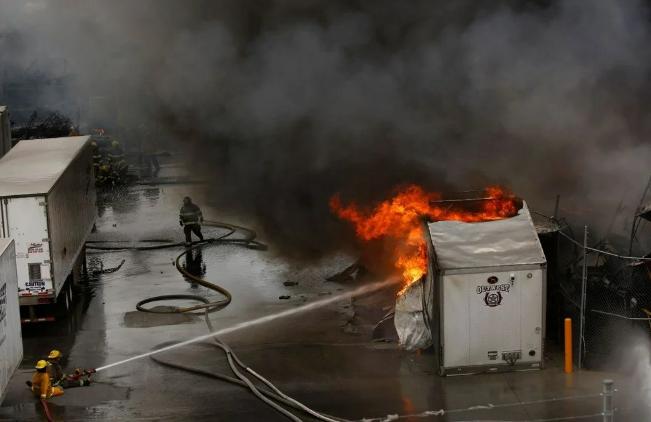 Meksika'da otomobil fabrikasında patlama: Yangın çıktı - Sayfa 2