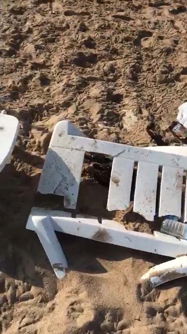 Bozcaada sahilindeki partide şezlongları kırıp, şemsiye yakıp, çöpleri bıraktılar - Sayfa 4