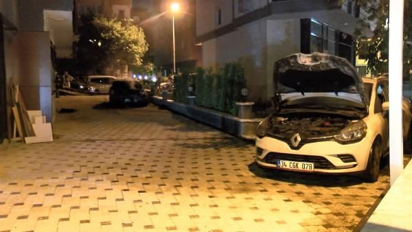 Kadıköy'de iki otomobil kundaklandı - Sayfa 2