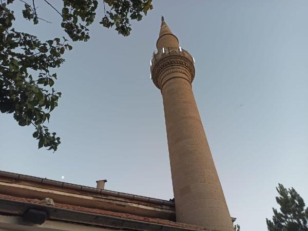 Depremde hasar gören cami ibadete kapatıldı - Sayfa 2