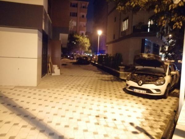 Kadıköy'de iki otomobil kundaklandı - Sayfa 3