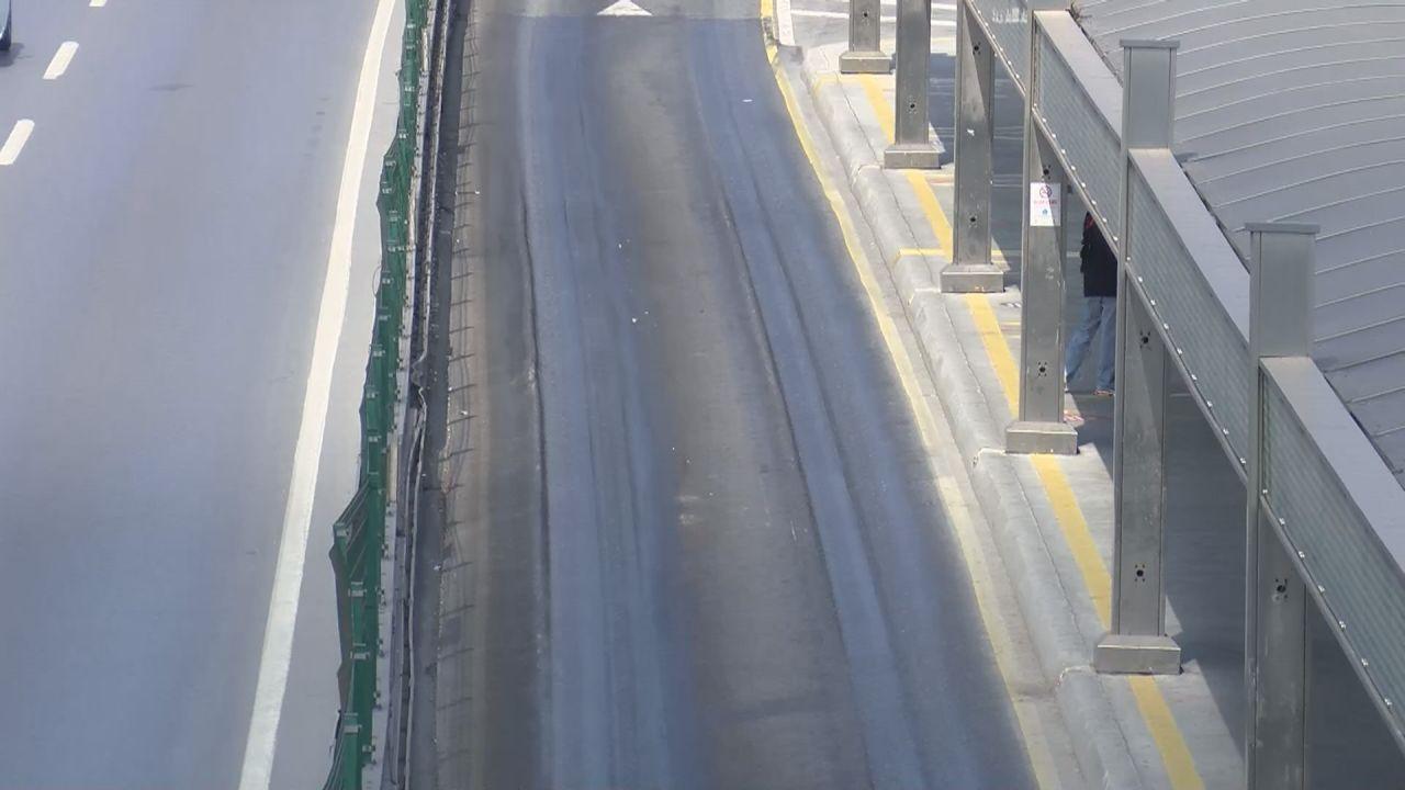 İstanbul'da aşırı sıcaktan asfalt eridi - Sayfa 4