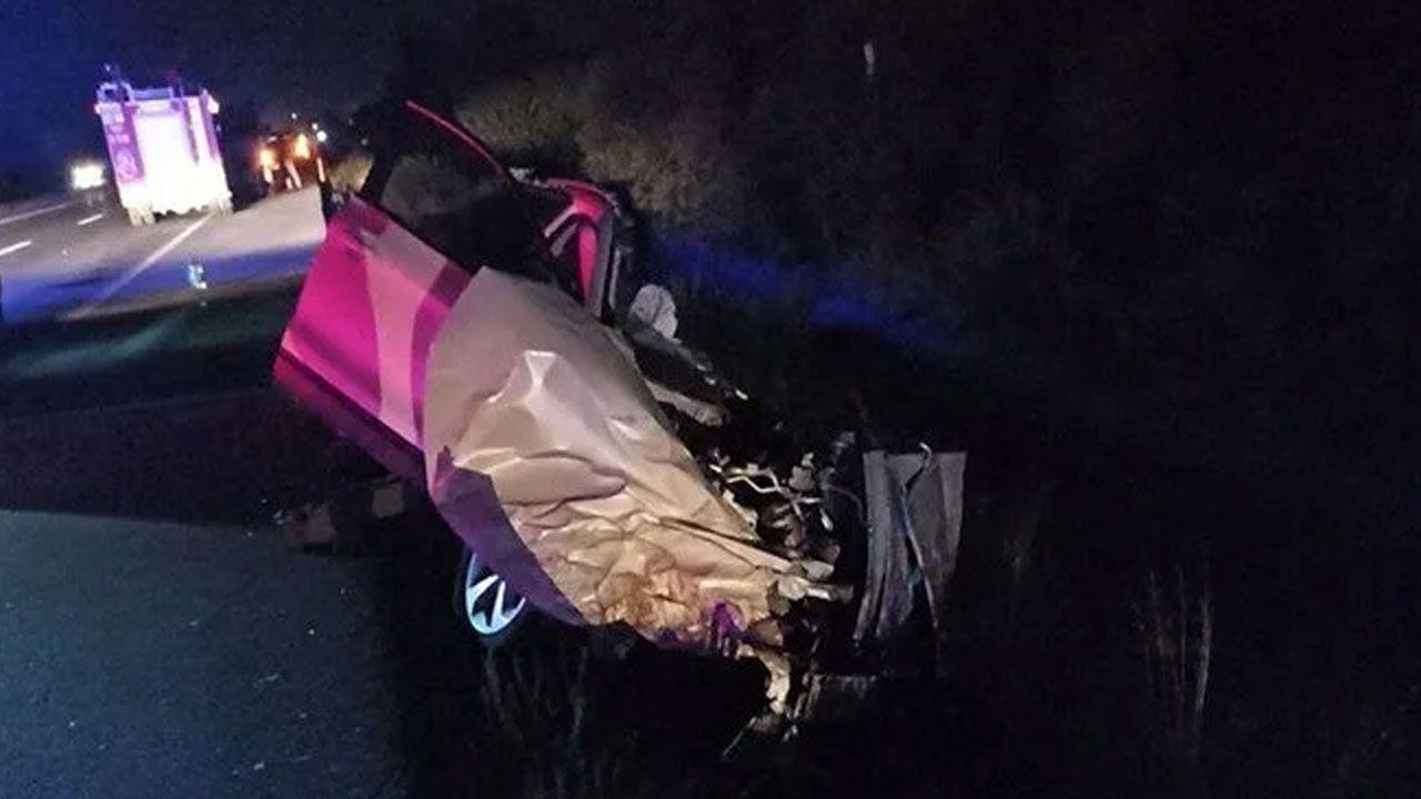 Afyonkarahisar'da 5 aracın karıştığı kazada 2'si çocuk 4 ölü, 2 yaralı - Sayfa 1