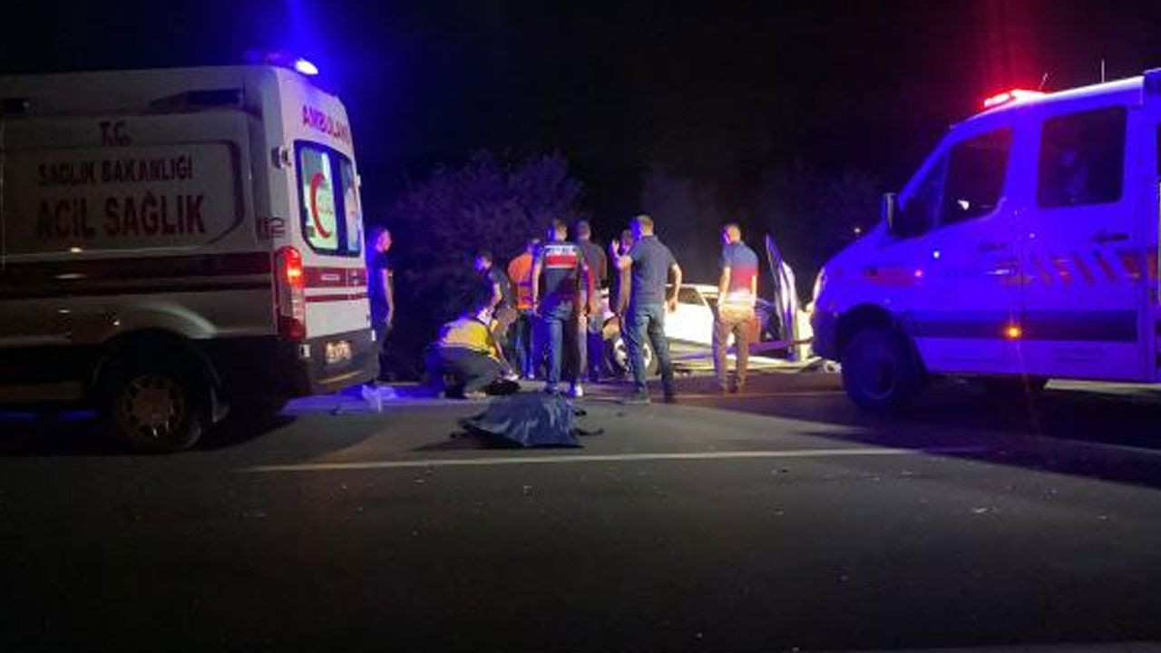 Afyonkarahisar'da 5 aracın karıştığı kazada 2'si çocuk 4 ölü, 2 yaralı - Sayfa 3