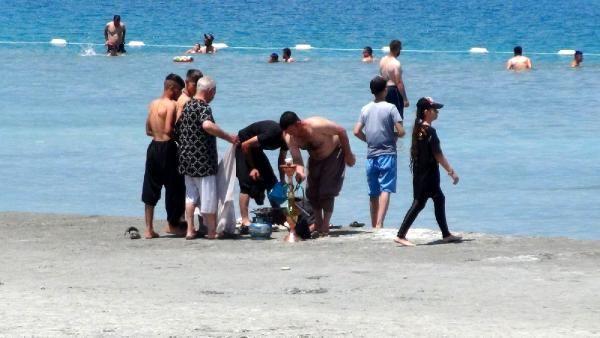 Yasağa rağmen Salda Gölü kıyısında nargile içip, çamur banyosu yaptılar - Sayfa 3