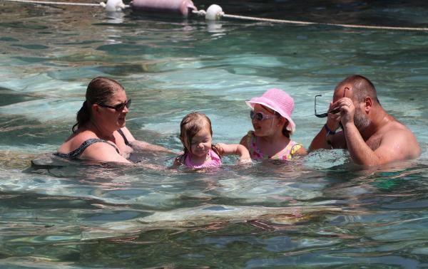 Kleopatra havuzunda bayram yoğunluğu - Sayfa 4