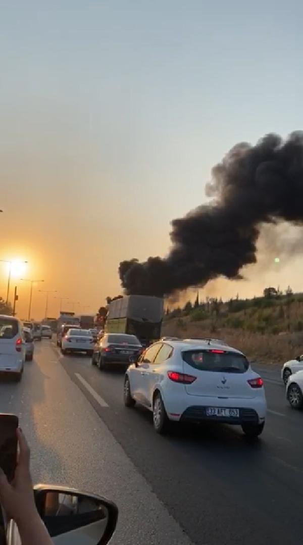 Mersin'de büyük bir faciadan dönüldü; Seyir halindeki yolcu otobüsü yandı - Sayfa 1