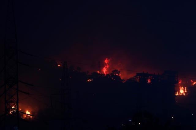 Alevler Milas'taki termik santrale sıçradı - Sayfa 1