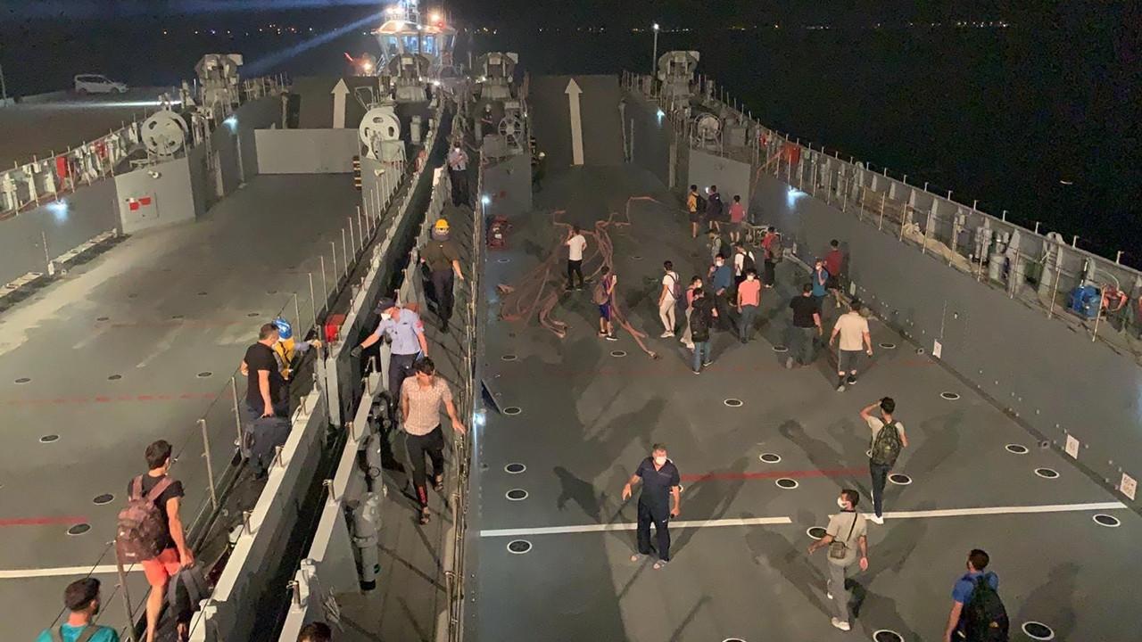 Milas'ta vatandaşlar çıkarma gemileriyle tahliye ediliyor