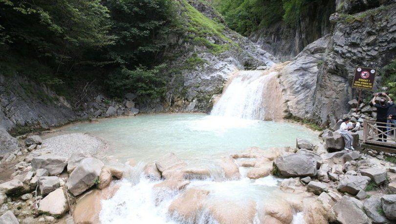 Doğal güzelliğiyle hayran bırakan 'Mavigöl' turistlerin uğrak yeri oldu - Sayfa 4