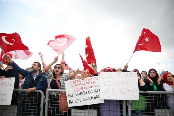 Aşı karşıtları Maltepe'de miting yaptı; İşte dikkat çeken kareler... - Sayfa 1