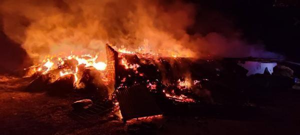Safranbolu'da samanlık ve ahır alev alev yandı - Sayfa 1