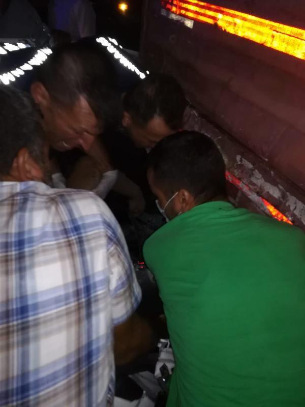 TIR'a çarpan otomobildeki üç kardeşten biri polis 2'si öldü, 1'i ağır yaralandı - Sayfa 2