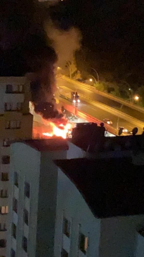 Ankara'da aydınlatma direğine çarpan yolcu otobüsü alev aldı: 1 ölü, 20 yaralı - Sayfa 2
