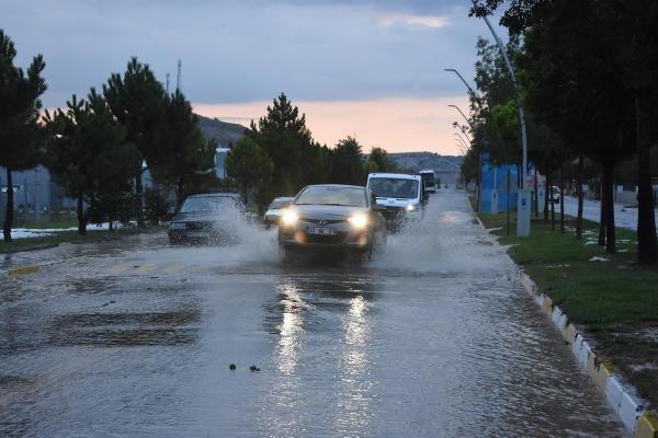 Kütahya'da sağanak yağış! 4 fabrika su altında kaldı - Sayfa 2