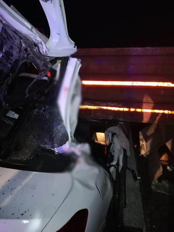 TIR'a çarpan otomobildeki üç kardeşten biri polis 2'si öldü, 1'i ağır yaralandı - Sayfa 3