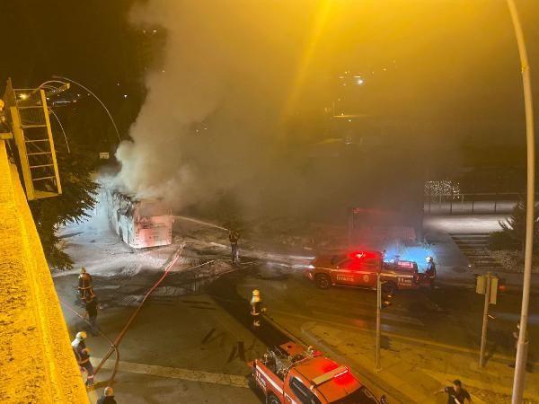 Ankara'da aydınlatma direğine çarpan yolcu otobüsü alev aldı: 1 ölü, 20 yaralı - Sayfa 4