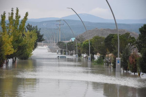 Kütahya'da sağanak yağış! 4 fabrika su altında kaldı - Sayfa 4