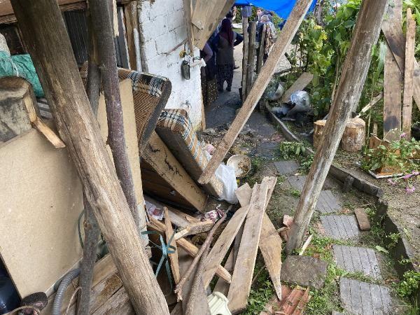 Taziye evinde balkon çöktü: 13 yaralı - Sayfa 4