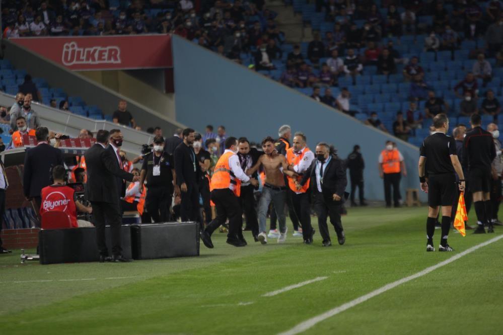 Trabzonspor-Galatasaray maçında olay! - Sayfa 1