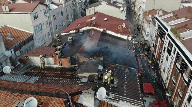 Alevler tüm çatıyı sardı! Yangında 100 güvercin telef oldu - Sayfa 1