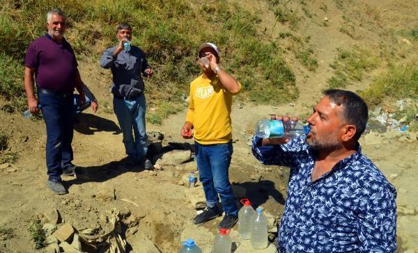 'Şifalı' sanılan pis suyu içmek için Türkiye'nin dört bir yanından Muş'a geliyorlar - Sayfa 1