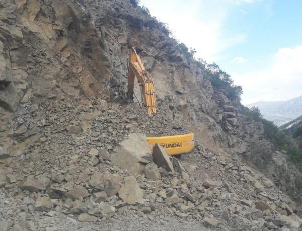 Yol çalışmasında kayaların altında kalan operatör öldü - Sayfa 2